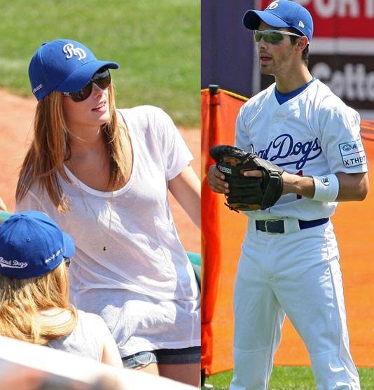 Joe Jonas y Ashley Greene Ashley-joe-081910-1