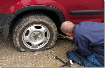 fixing_flat_tire