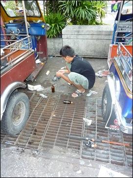 Bangkok Gutter Fishing 1