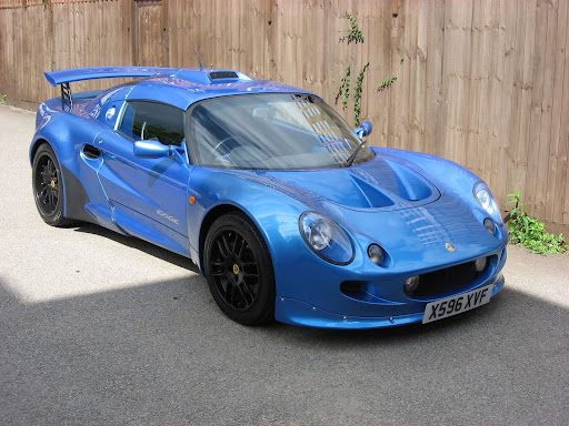 Its an S1 Lotus Exige with