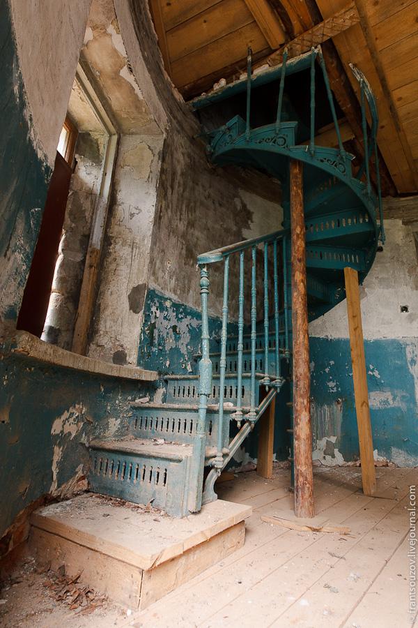 House in abandoned village of San Panteleev