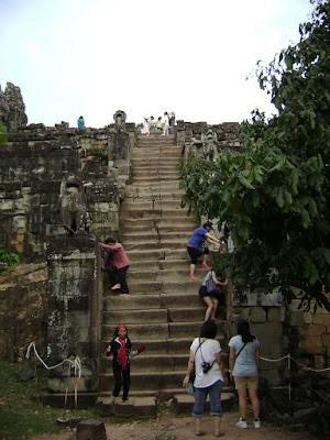 Phnom Bakeng Step
