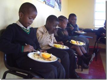 FamineSAKids1,2mSchoolFeedingSchemeDec2008