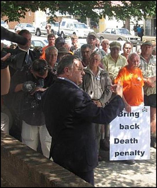 Boer protest Dr Pieter Mulder Lindley court Potgieter massacre suspects Dec62010