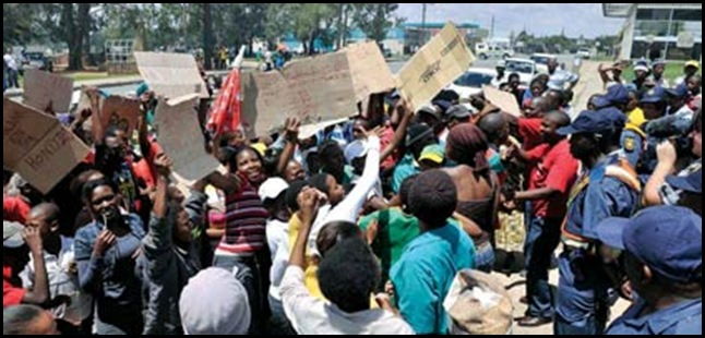 OTTOSDAL TRUCKED IN COSATU PROTESTERS FARMERS TRIAL DEC 1 2010