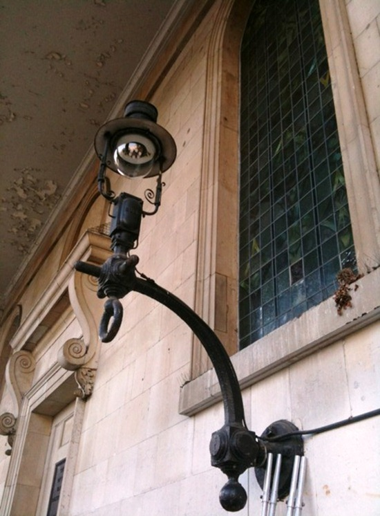 10.10.30 Covent Garden_old lights