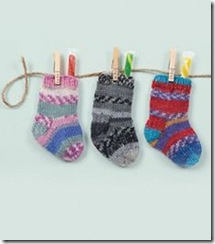 P409891_knitted_mini_stockings_r