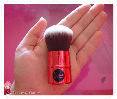 Hollywood Glamour Retractable Kabuki - Red (Something About Marilyn) by Sigma Makeup