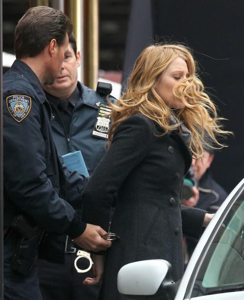 ¡Cazado! - Página 2 Blake-lively-arrested-01a