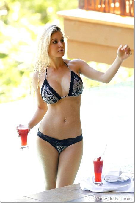 heidi-montag-bikini-in-costa-rica (4)