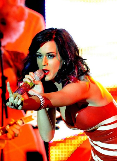 gallery_main-katy-perry-concert-titties-008