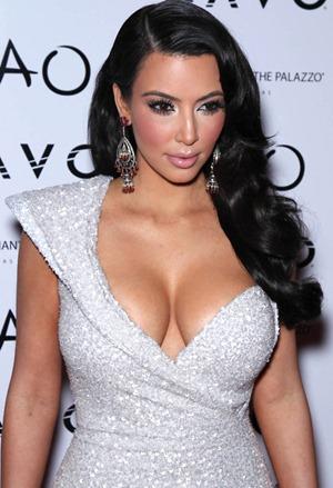 Kim Kardashian Tao NYE 010111