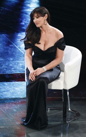 monica_bellucci_slip_5-450x711