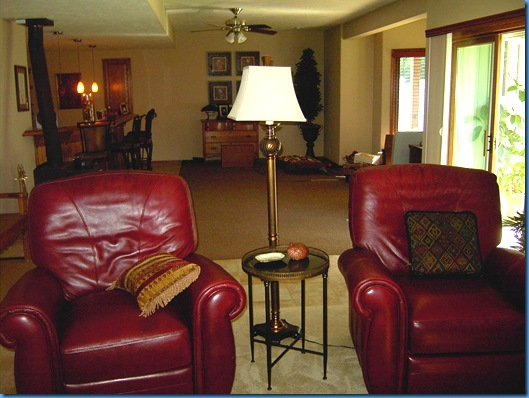 Family room and rec side 003