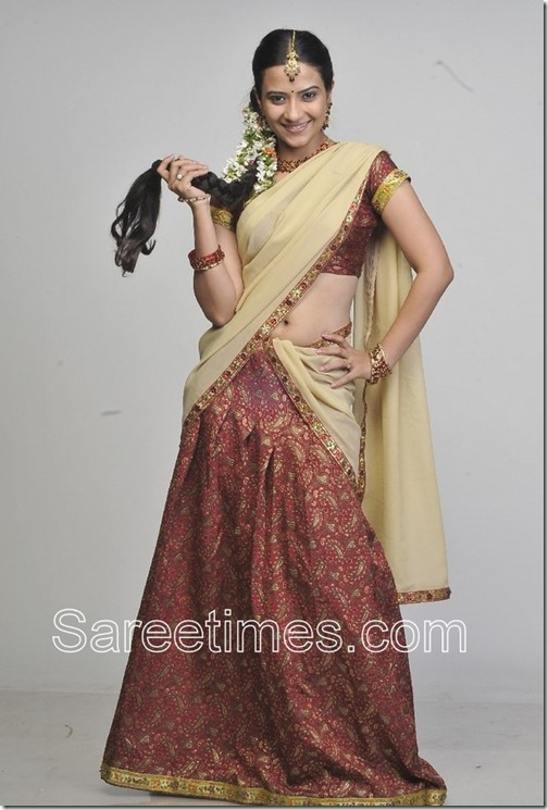 Aditi_Sharma_Half_Saree