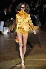 popup-desfile-marcjacobs-nyspring2011rtw-113