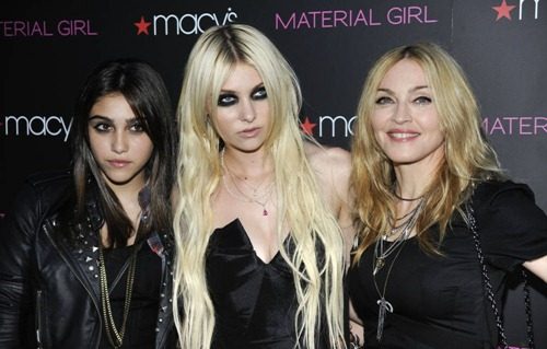 20100922-madonna-macys-material-girl-launch-party-127