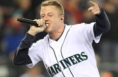 macklemore-at-mariners-home-opener-04-08-11