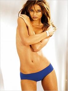 Miranda Kerr Topless (31)