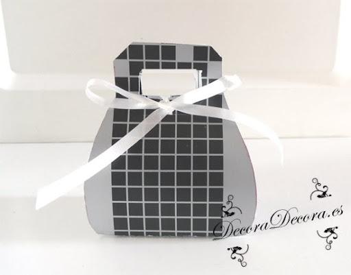 envolver regalos con cajitas en forma de bolsitos
