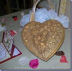 boîte coeur reflief peint