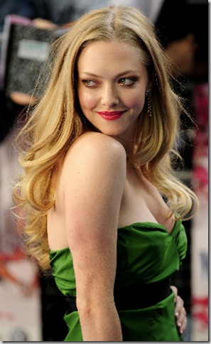 seyfried7_mammamia_slideshow_604x500