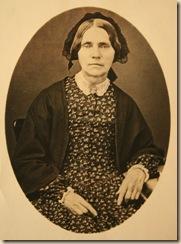 Hannah Bingham portrait[3]