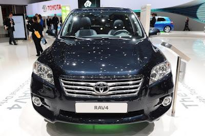 2011 Toyota RAV4-02.jpg