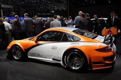 Porsche 911 GT3 R Hybrid-03.jpg