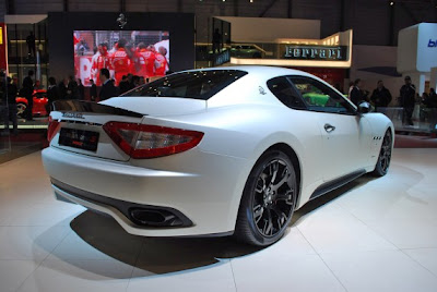 Maserati GranTurismo MC Sport-02.jpg