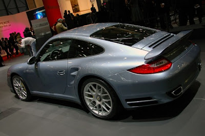 Porsche 911 Turbo S-05.jpg