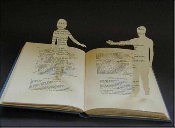 Esculturas com livros (6)