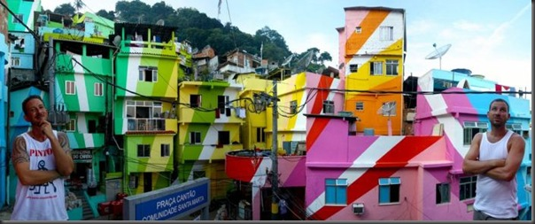 Pinturas coloridas na Favela de Santa Marta no RJ