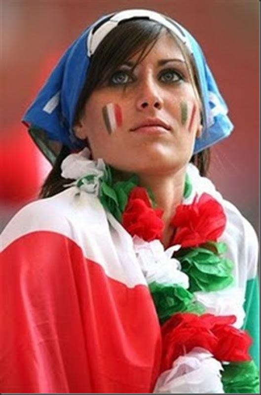 A beleza das torcedoras italianas (7)