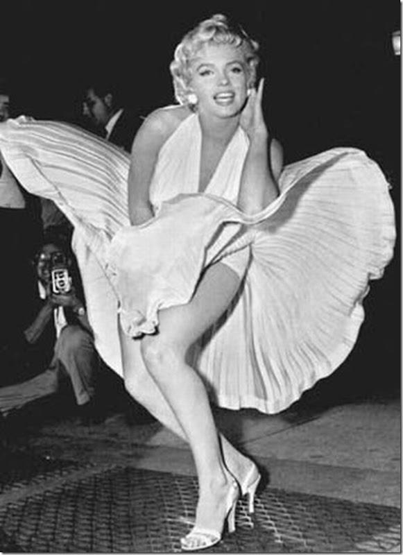 Belas garotas de mini saia   vento = Uma combinação perfeita (12)