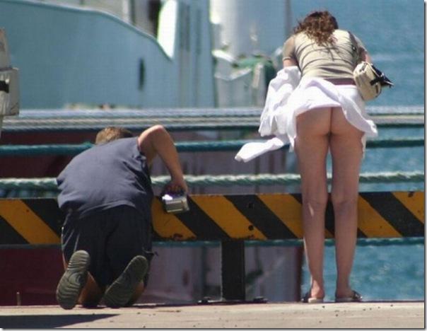 Belas garotas de mini saia   vento = Uma combinação perfeita (24)