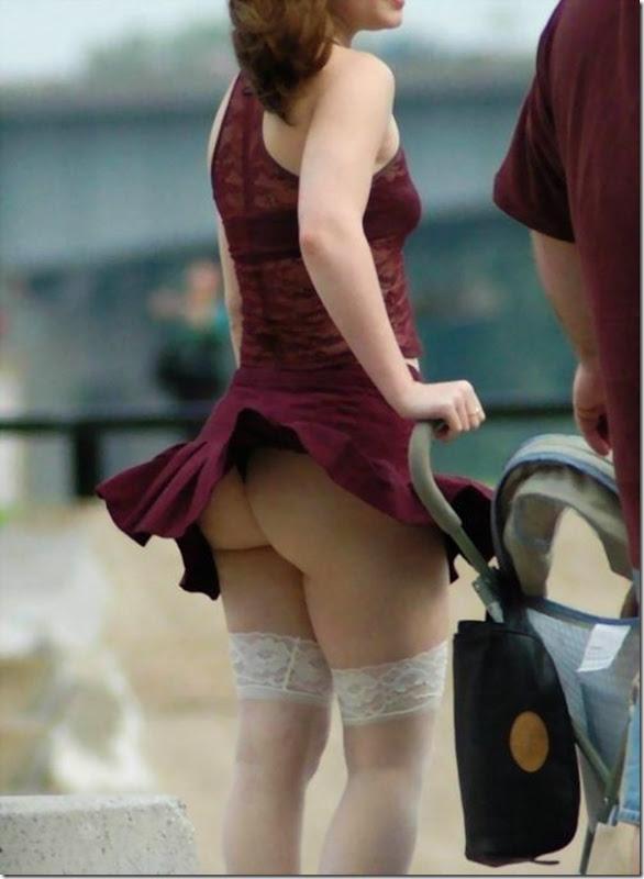 Belas garotas de mini saia   vento = Uma combinação perfeita (10)