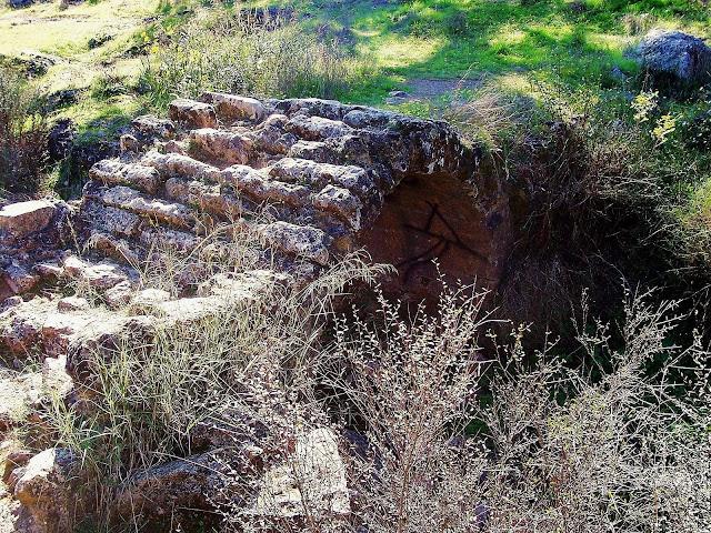 otra vista del Puente romano del arroyo de Linares