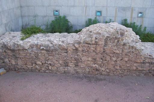 Trozo de murallón aún de pie