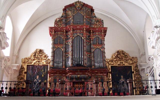 Organo de San Hipolito