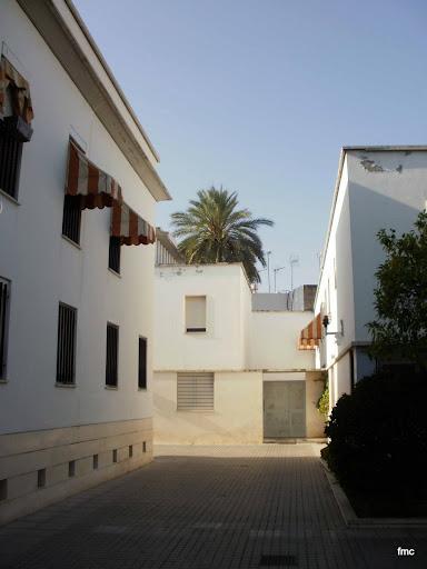 A espaldas de la calle de la Palma, cerca del numero nueve