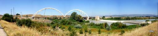 Panorámica del puente y el azud de Casillas.