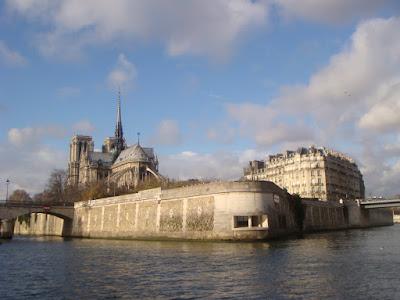 Passeio de Bateaux Moches pelo Rio Sena em Paris