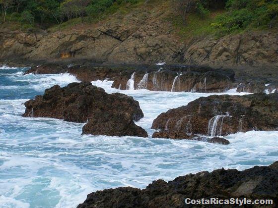 Costa Rica Rocky beach