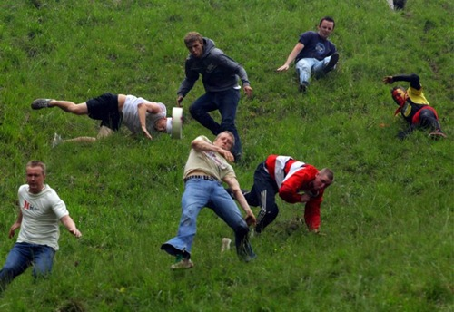 cheese-rolling (3)