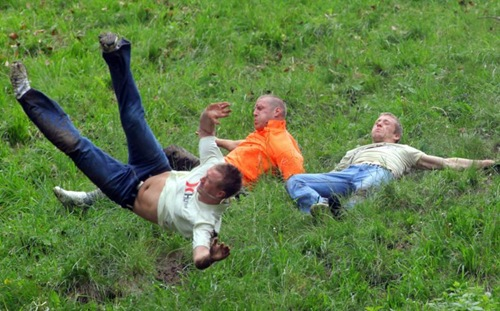cheese-rolling (5)