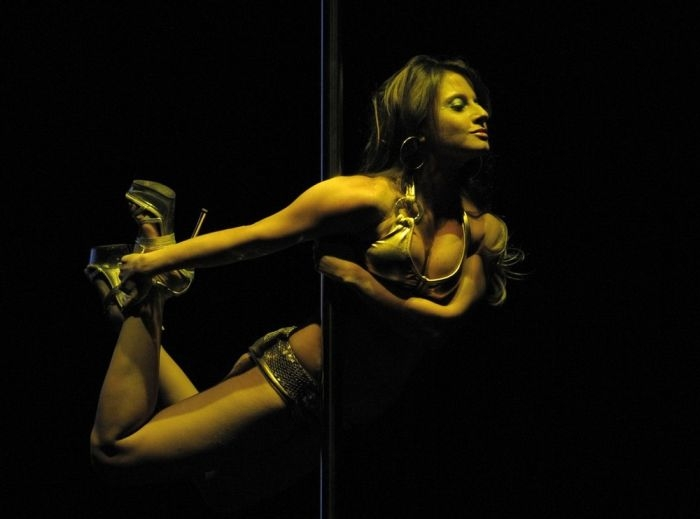 miss-pole-dance (6)