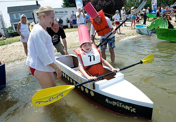 cardboard-boat-race (9)