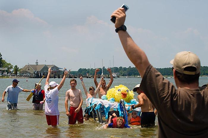 cardboard-boat-race (6)