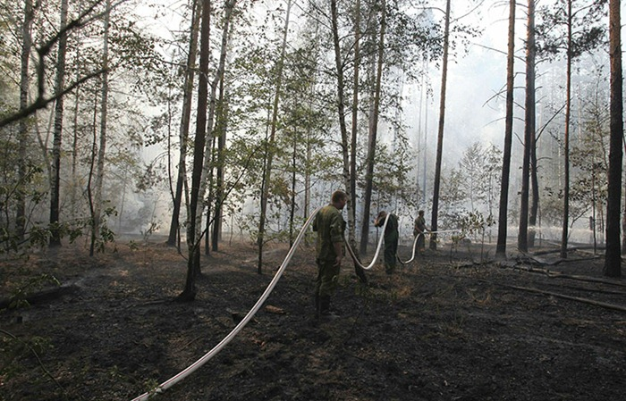 RUSSIA-HEATWAVE-FIRE-20100801-161153.jpg